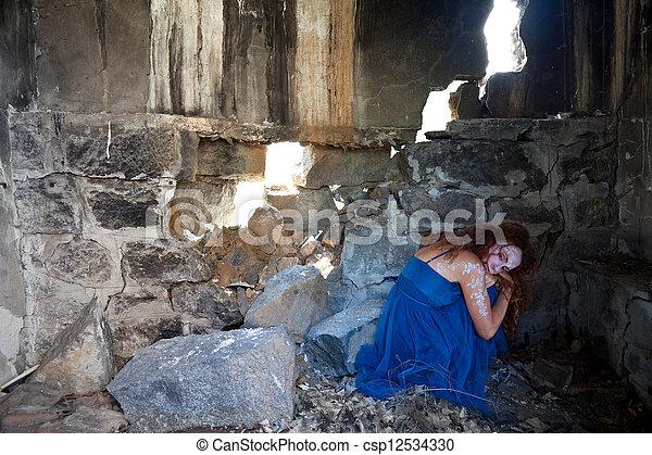建築物, 婦女, 隱藏, 毀滅 - csp12534330