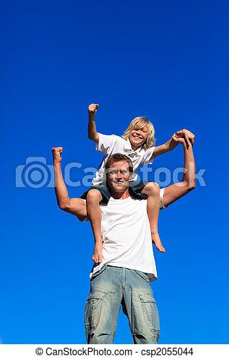 強い, モデル, 子供, 父, 彼の, 肩 - csp2055044