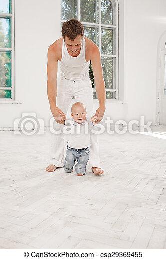 彼の, 古い, 月, 父, 若い, 息子, 9, 家 - csp29369455