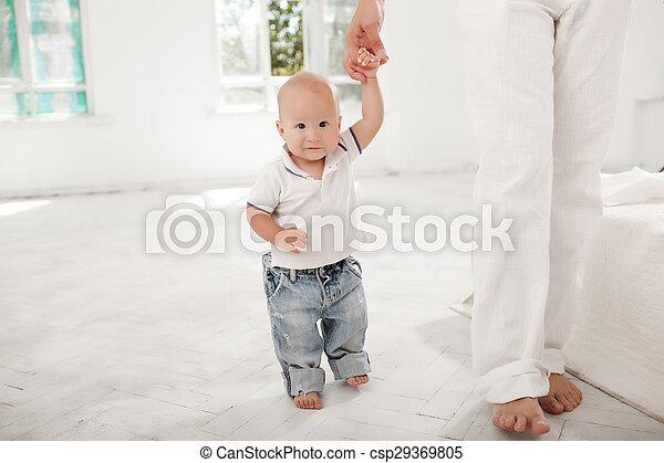 彼の, 古い, 月, 父, 若い, 息子, 9, 家 - csp29369805