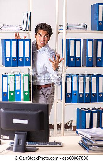 従業員, マレ, 労働者のオフィス, 若い - csp60967806