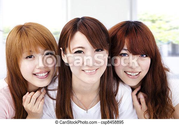 微笑の 女性, アジア人, 若い - csp8458895