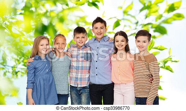 微笑, 子供, 抱き合う, 幸せ - csp33986770