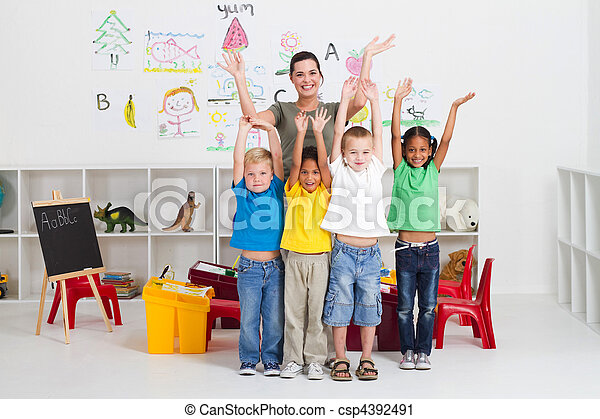 快樂, 孩子, 老師, 幼儿園 - csp4392491