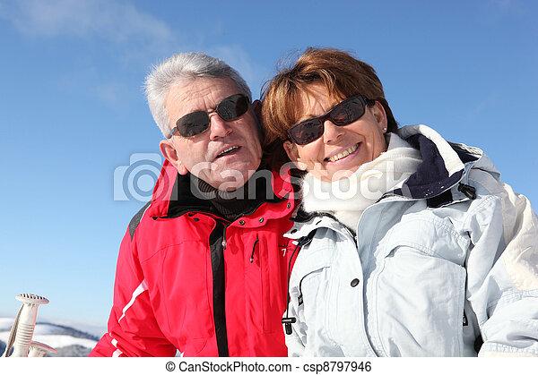 恋人, 休日, 成長した, スキー - csp8797946