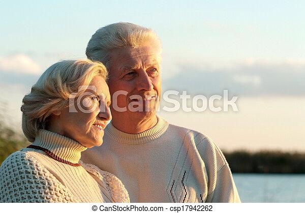 恋人, 古い, 幸せ - csp17942262