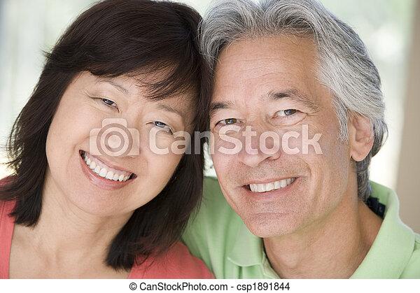 恋人, 屋内, 微笑, 弛緩 - csp1891844