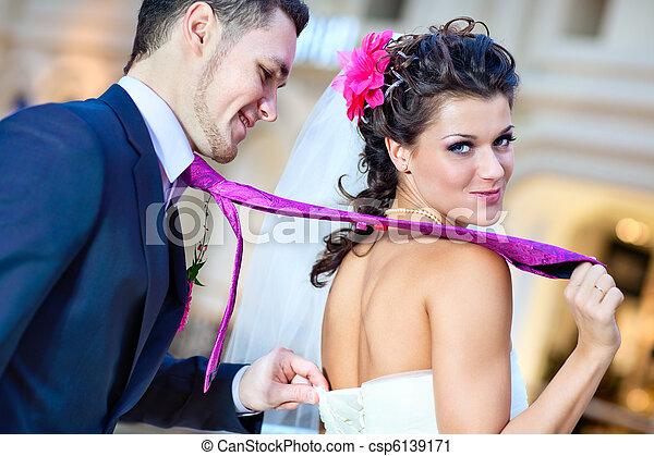 恋人, 若い, 結婚式 - csp6139171