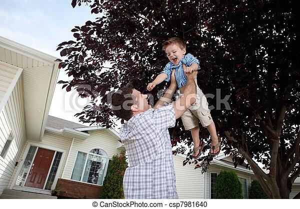 息子, 父, 持ち上がること, 空気 - csp7981640