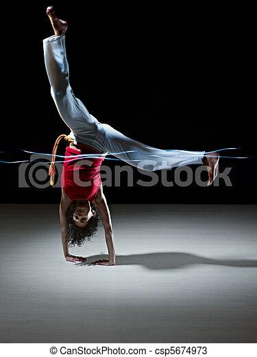 戦争である, capoeira, 女, 芸術, ヒスパニック - csp5674973