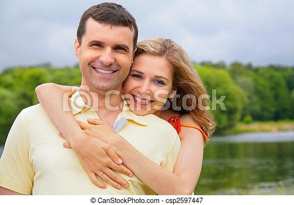 抱擁, 女性の背部, 人, 若い - csp2597447
