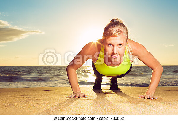 推, 婦女, 向上, 健身 - csp21730852