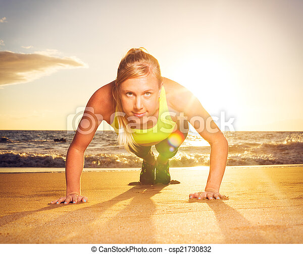 推, 婦女, 向上, 健身 - csp21730832