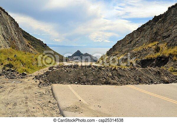 政治的である, 残骸, 道, 岩, ボリビア, ブロック - csp25314538