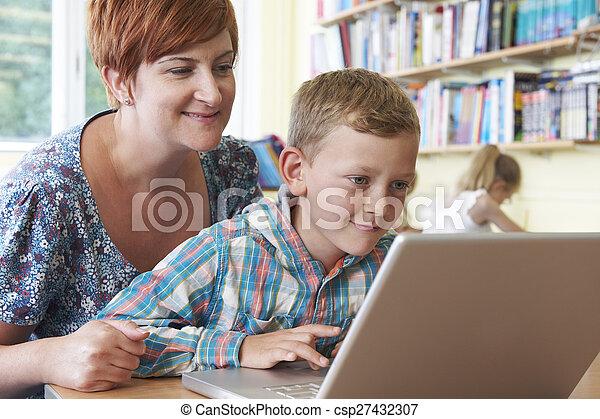 教室, 学校, ラップトップ・コンピュータ, 生徒, 使うこと, 教師 - csp27432307