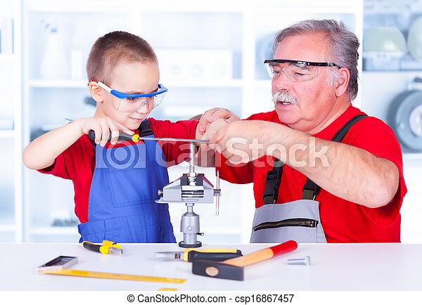 教授, 祖父, 孫, 石目やすりをかけること - csp16867457