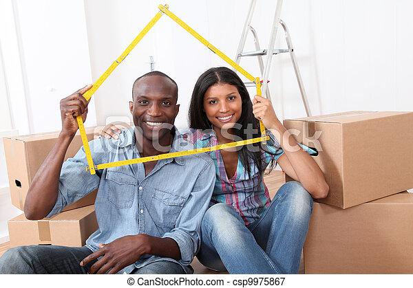 新しい, 恋人, 若い, 家を買う - csp9975867