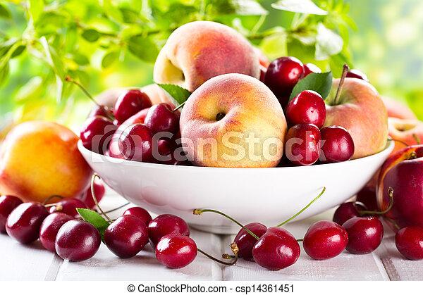 新鮮な果物 - csp14361451