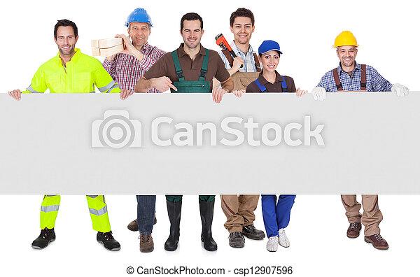 旗幟, 工人, 組, 提出, 空 - csp12907596