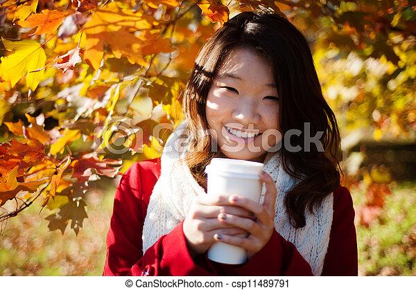 暖かい, 女, 飲むこと, アジア人, 飲みなさい - csp11489791