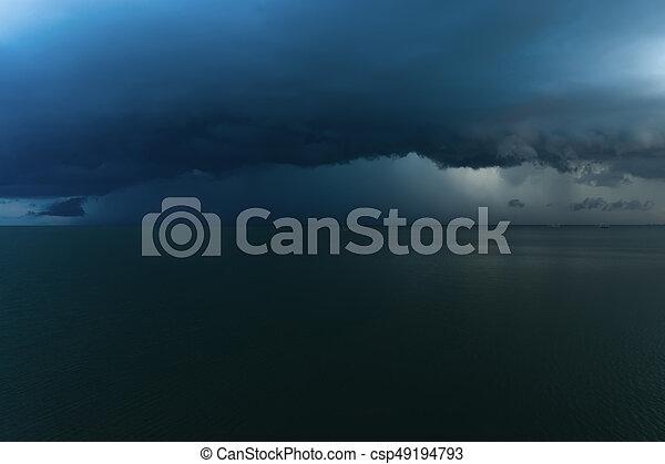 暗い, 落ちる, 雲, 雨, sea. - csp49194793