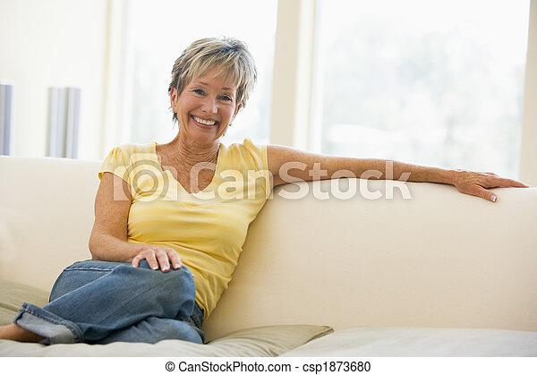 暮らし, 微笑の 女性, 部屋 - csp1873680