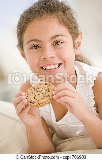 暮らし, 食べること, 部屋, 若い, クッキー, 女の子の微笑 - csp1706903