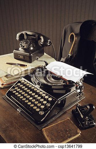 木製である, タイプライター, 古い, 机 - csp13641799