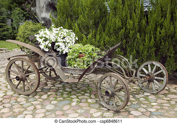 木製である, ワゴン, 花, 古い, 満たされた - csp6848611