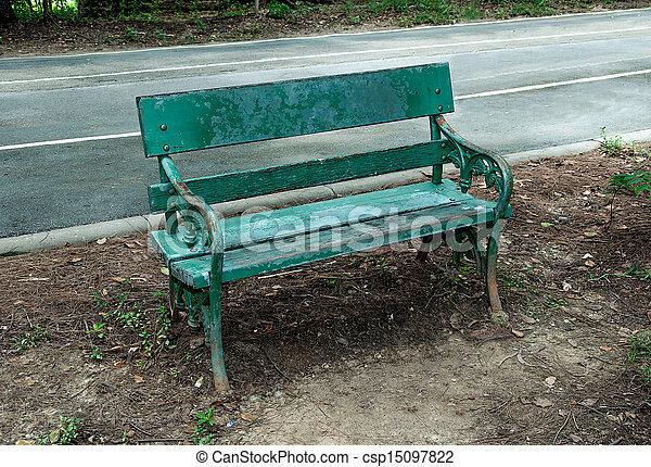 木製である, 古い, 公園のベンチ - csp15097822