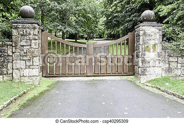 木製である, 門, 公園 - csp40295309