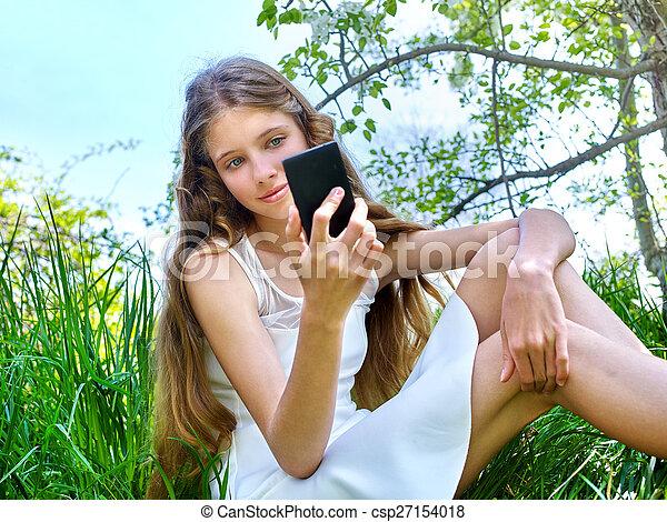 木。, selfie, 開くこと, スナップショット, 女の子 - csp27154018