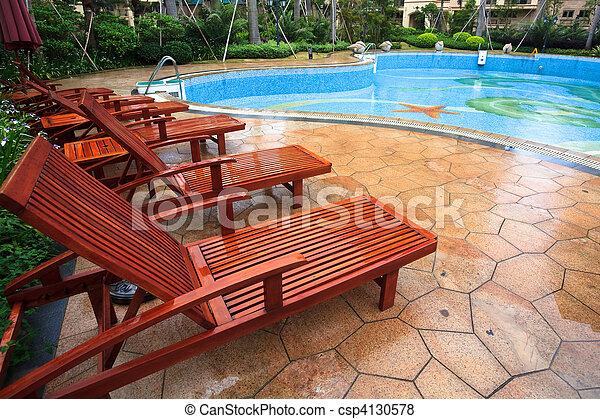 椅子, よりかかる - csp4130578