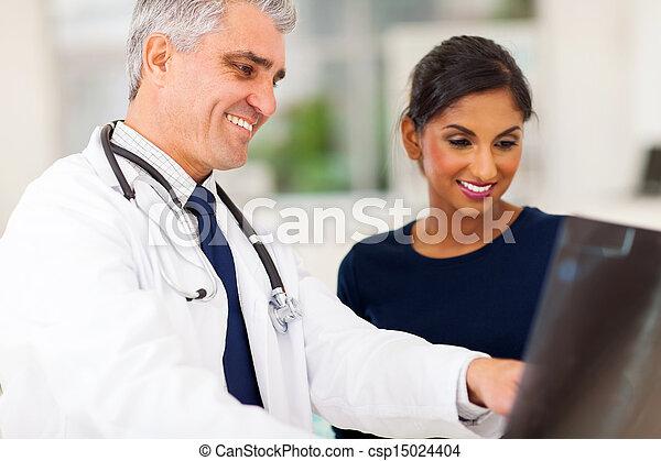 検査, シニア, 患者, x 線, 医者 - csp15024404