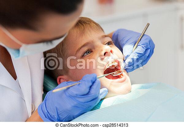 検査, 歯科医, 男の子, 歯 - csp28514313