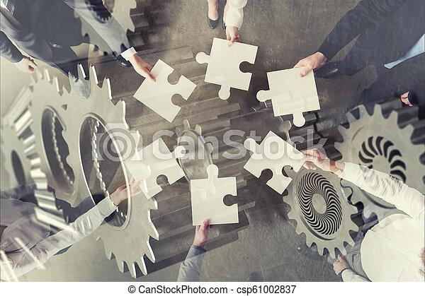 概念, ギヤ, overlay., ダブル, 困惑, 始動, 統合, 小片, チームワーク, partners., さらされること - csp61002837