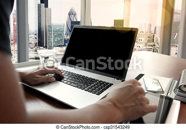 概念, ビジネス, 仕事, 木製である, 現代, ビジネスマン, 手, 電話, コンピュータ, 机, 新しい, 作戦, 痛みなさい - csp31543249