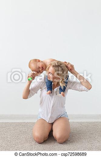 概念, 彼女, 親, -, 子供, 単一 母, 遊び, baby. - csp72598689