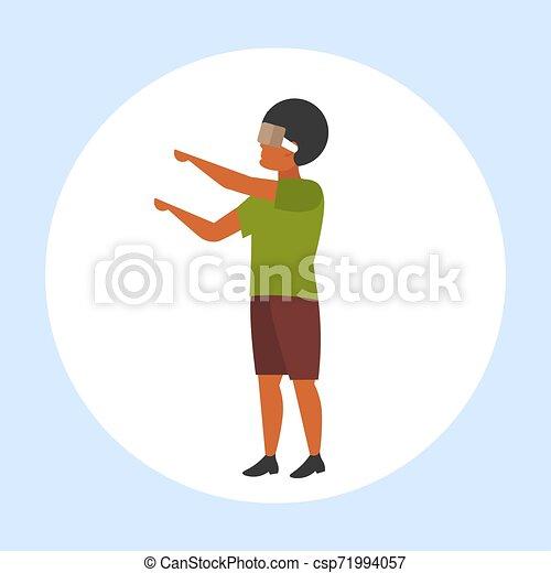 概念, 現代, vr, によって, 技術, ヘッドホン, 特徴, アメリカ人, バーチャルリアリティ, デジタル, 3d, 身に着けていること, 平ら, フルである, 漫画, 人, 経験, 長さ, アフリカ, 人, マレ, ビジョン, ガラス - csp71994057