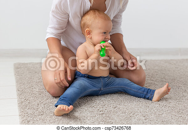 概念, 親, 彼女, baby., 遊び, 単一 母, 子供, - - csp73426768