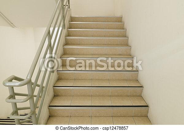 樓梯井, 緊急出口 - csp12478857