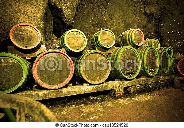 樽, ワイン - csp13524520