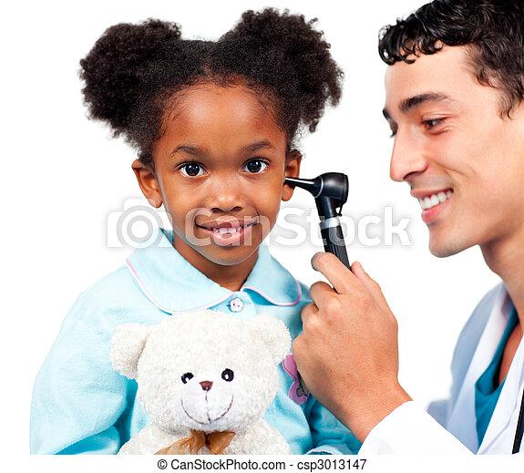 檢查, 他的, 醫生, 針對, patient\'s, 背景, 微笑, 白色, 耳朵 - csp3013147