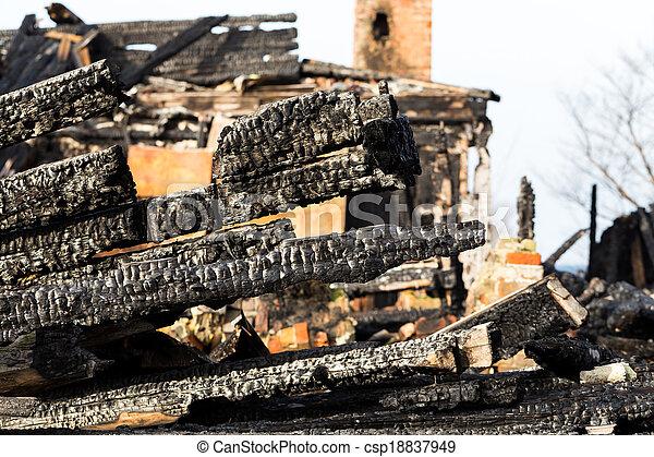 残物, 下方に, 燃えた, 台なし, 家 - csp18837949