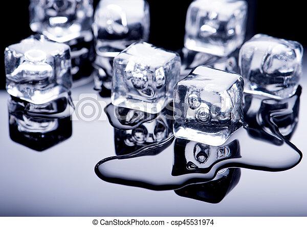 水, 立方体, 氷 - csp45531974