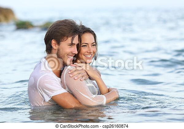 浜, 愛, カップルの 抱き締めること, 幸せ, 入浴 - csp26160874