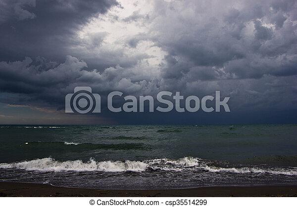 海景, 雨 - csp35514299