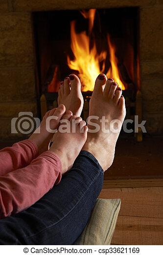 火, フィート, 子供, 暖まること, 母 - csp33621169