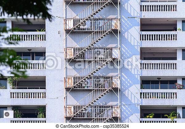 火, 住宅の, 脱出, 建物。 - csp35385524