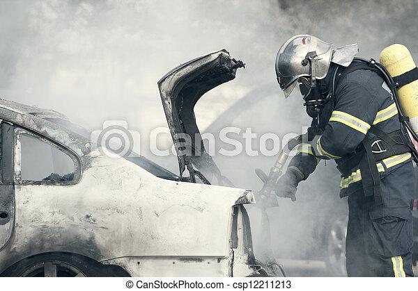 火, 自動車, 煙 - csp12211213